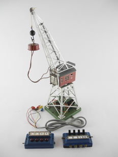 Märklin H0 - 451.3 - Electric crane with magnet, switch and ball hook [396]