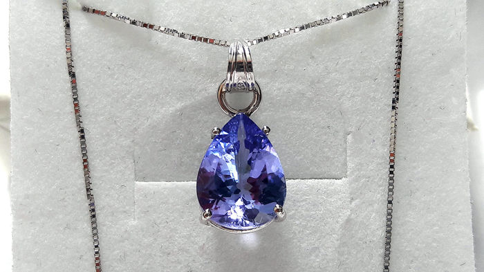 Necklace and pendant in 18 kt white gold with stunning 2.68 ct tanzanite - NO RESERVE PRICE