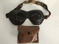 Motorcycle goggles/aviator goggles in original case - Wehrmacht Third Reich Germany