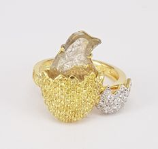 1.36 carats Bird shaped Slice Diamond and 1.14 carats White and Yellow Diamonds Ring- Free Delivery