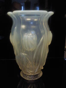 Art Deco Opalescent vase