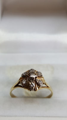 14 kt Gold women's ring, vintage, set with 7 diamonds - size 17