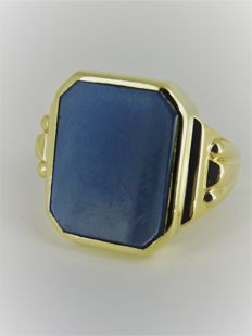 Gold signet ring, .585 with layered stone, 16 mm x 13 mm - Size 18