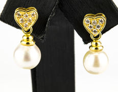 Yellow gold, 18 kt - Earrings - Akoya pearls, 8.25 mm - Earring height 19.10 mm
