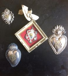 4 ex voto hearts - different materials - Italy - circa 1900