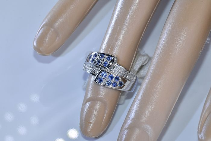 Sapphires and Diamonds, bypass ring - NO reserve price! - Catawiki