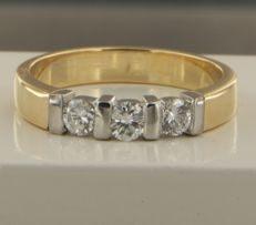 18 kt bi-colour gold ring with brilliant cut diamonds, 0.45 ct, ring size 17.75 (56)