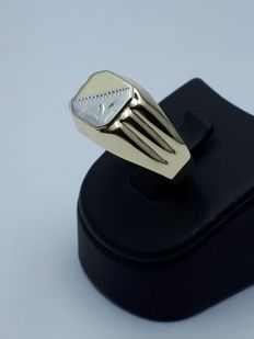 14 K Gold Man's Ring - size 21mm
