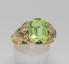Yellow gold cocktail ring, late 19th century early 20th century- with chrysoberyl and diamonds