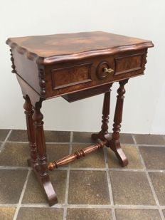 Burr-walnut sewing table - France - circa 1900