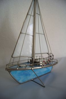 Creator: unknown, sailboat of stained glass /