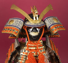 Samurai harness / Yoroi made of silk, metal, fabric and paint - Japan - around 1912-1926 (Taisho period)