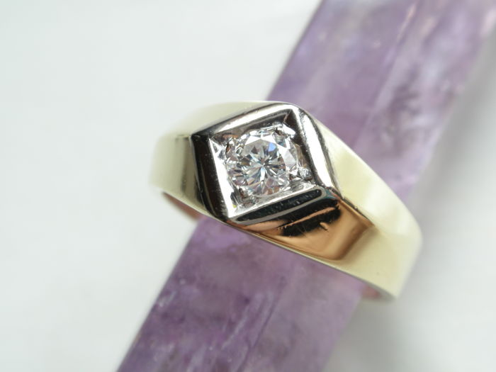 Gold ring 585 with brilliant 0.35 ct – ring size 59