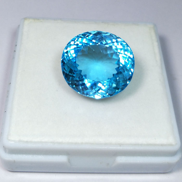 Swiss Blue Topaz - 27.72 ct