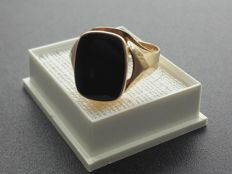 14K vintage men's ring with Onyx, size 20,30 mm, No Reserve price, year 1966