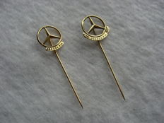 Set gold plated Mercedes badges - 100,000 and 200,000 km - silver mark 835 - 2nd half 20th century - Germany