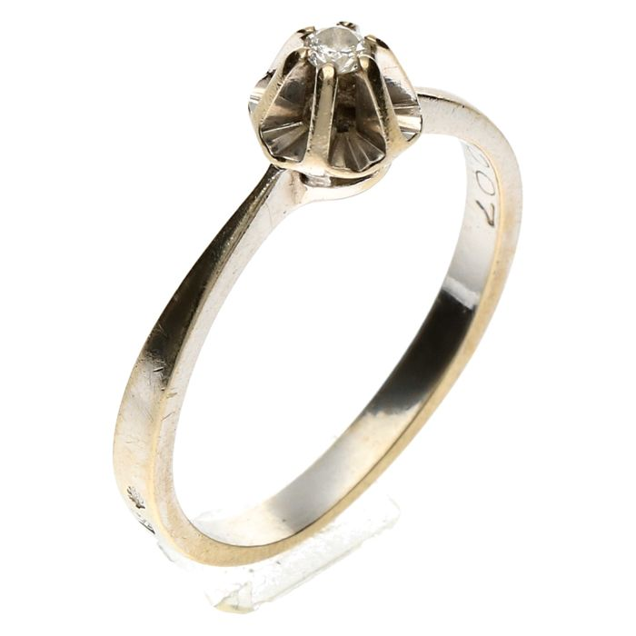 White gold solitaire ring with brilliant cut diamond 0.07 ct Ring size: 17.5