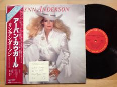 Country with Lynn Anderson...10 albums....nr 9 and nr 10 are both 2 records sets...nr 1 is a rare Japanese pressing made in Tokyo.