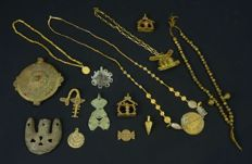 Different Akan necklaces, pendants and beads - Ghana / Ivory Coast / Burkina Faso