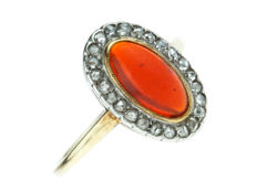 Yellow gold vintage women's ring set with carnelian and 24 rose diamonds
