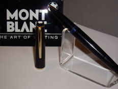 Vintage Montblanc No 31 piston filler fountain pen 14 ct gold nib - 60s