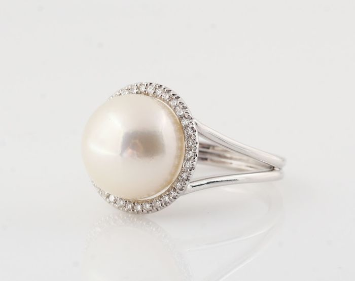 Lustrous 13mm Pearl Ring Set in 18K White Gold with 0.28Ct VS Diamonds