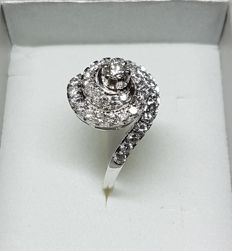 Solitaire ring with accent diamonds – 1.40 ct ***NO RESERVE!!***