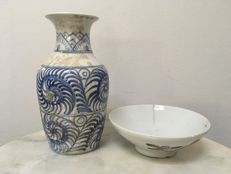 2 Porcelain B/W Vase and Decorated Bowl - China - 19th Century.
