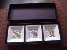 Boucheron - Box set of three ramekins in white porcelain with decoration of chameleons