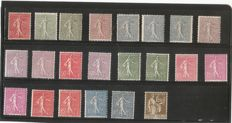 France 1906/1932 – Selection of semeuse lignée type stamps of Roty et Paix.