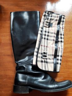 Burberry boots with chaps