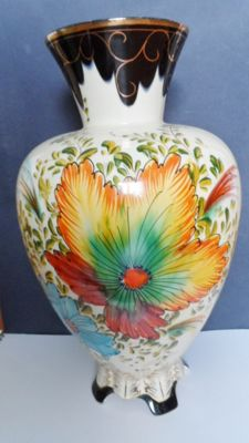 H. Bequet, Quaregnon - Colourful vase, floral decor, on feet