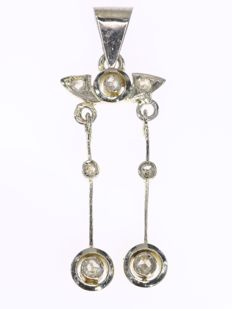 Art Deco bicolour gold dangling diamond pendant, anno 1920