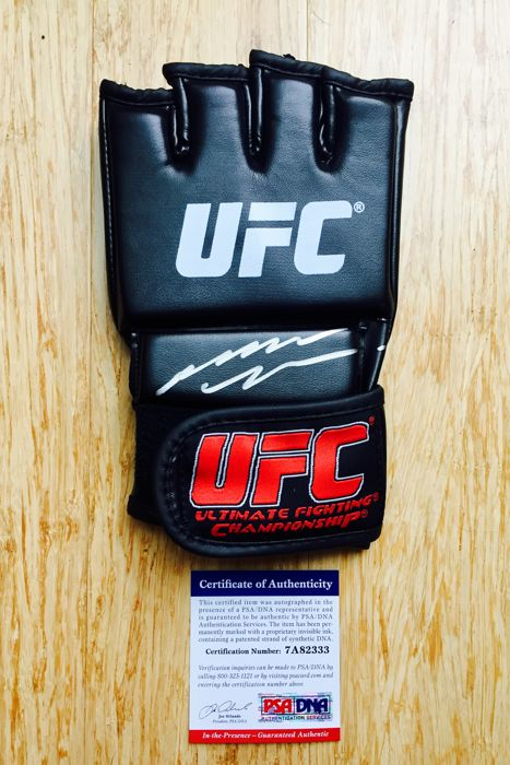 Spider Anderson Silva MMA /  Original Signed Black MMA Boxing Glove - with Certificate of Authenticity PSA/DNA