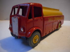 "Dinky Toys - Schaal 1/43 - A.E.C. Monarch tankwagen ,,Shell Chemicals Limited"" No.591"