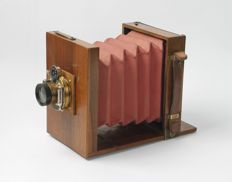 Small old 9x13 wooden plate camera travel camera with lens