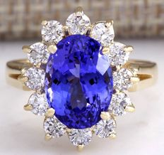 5.37 Carat Tanzanite And Diamond Ring 14K Solid Yellow Gold - Ring Size: 7  *** Free shipping *** No Reserve *** Free Resizing