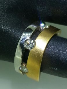2 gold ring set with 6 diamonds totalling 0.60 ct - size: 49 width: 8.2 mm