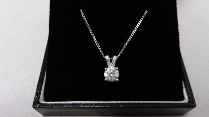 18K gold Diamond-set pendant - 0.70ct centre – 16 inch chain
