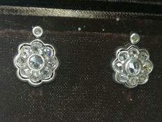 Earrings from the early 1900s in white gold and diamonds