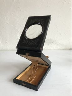 Vintage wooden stereo viewer with magnifying glass - ca. 1900