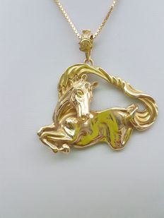 Hand-made 18 kt gold necklace with pendant