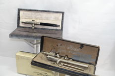 Two retouch airbrushes in neat condition