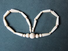 Antique Art Deco Ivory necklace, around 1930