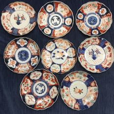 Eight Imari plates - Japan - Late 19th century