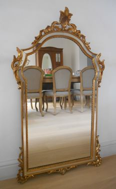 Heavy gilt wooden crested mirror - 104 cm high