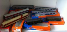 Roco H0 - 4226A/44403/4204/4201/44402/44220A - 7 x various passenger cars of the DB