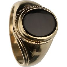 14 kt - Yellow gold signet ring set with black onyx - Ring size: 19.5 cm