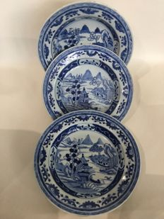 Three plates with a pagoda in a landscape - China - 18th century