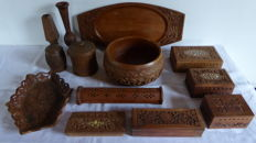 Lot of 13 parts of India wood carving - wooden boxes - large bowl - candle holder - incense holder - trays - tobacco pots - beautifully carved and inlaid with bone and brass